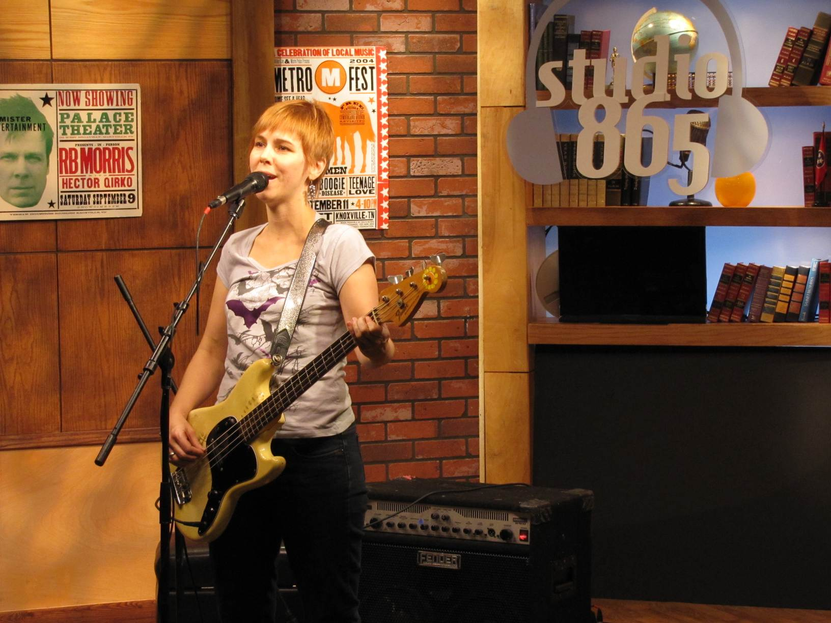 Kay Stanton performs on Studio 865.